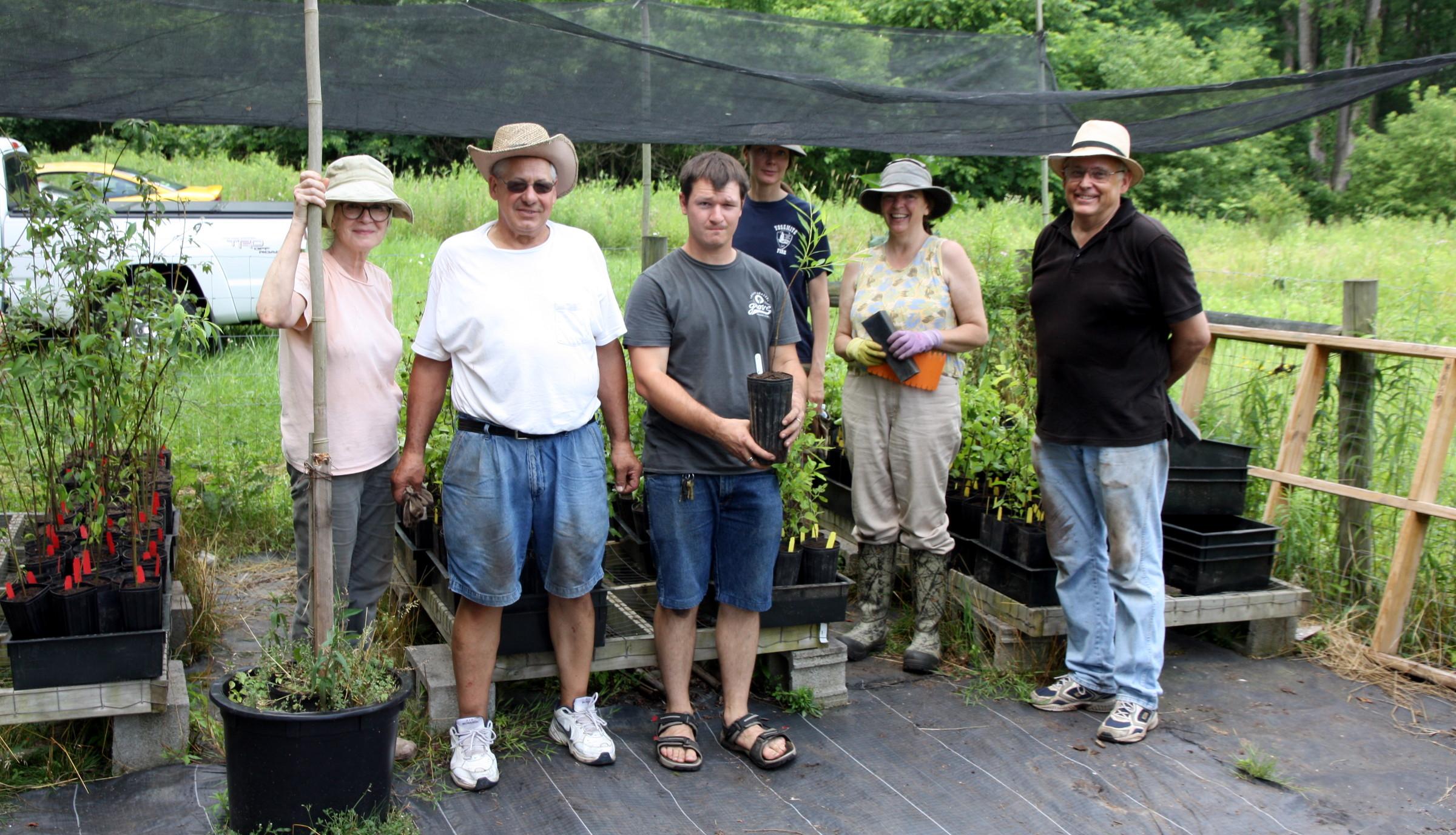 CWC Growing Native Volunteers (Scrollbar).jpg