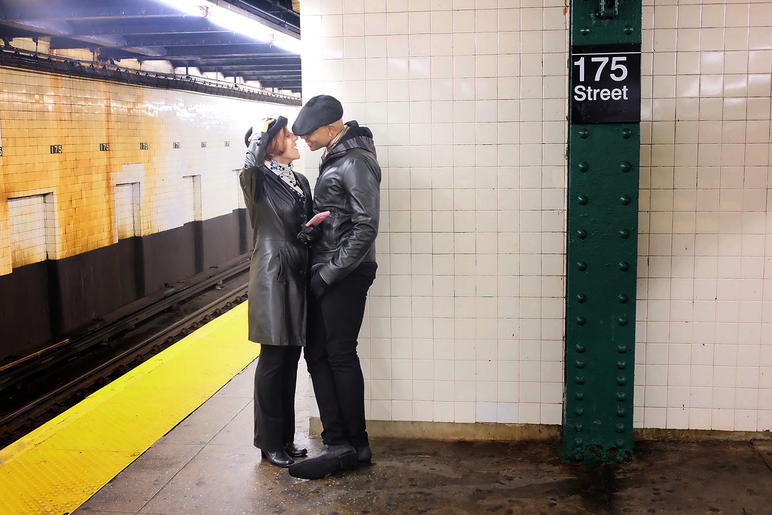 subway-kiss-donna-coney.jpg