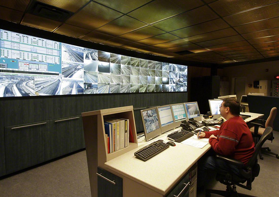 Tunnel Louis-Hippolyte-La Fontaine, salle de contrôle