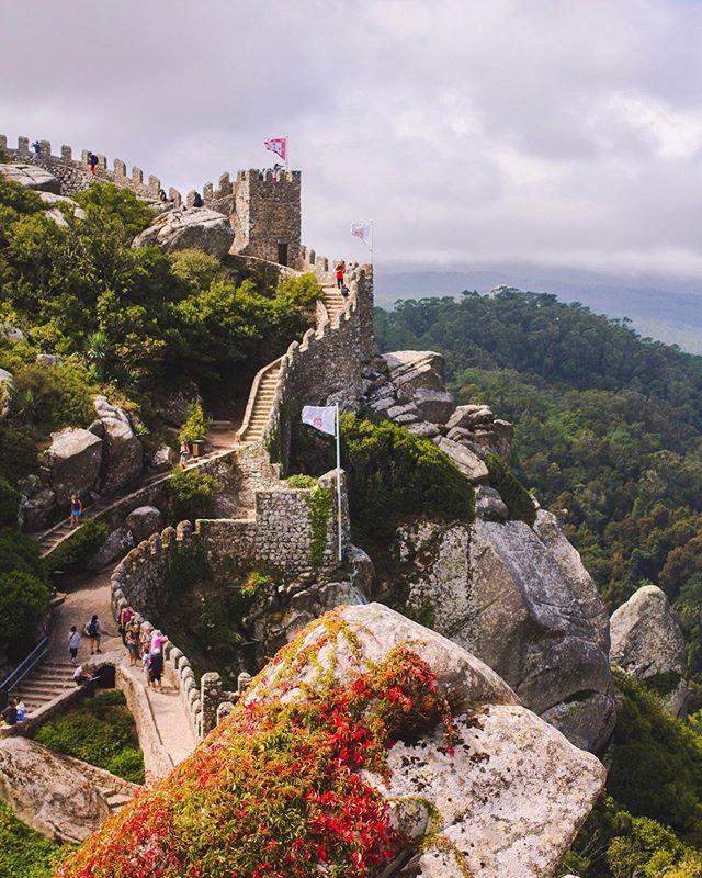 Castelo dos Mouros. Sintra, Portugal. 2017