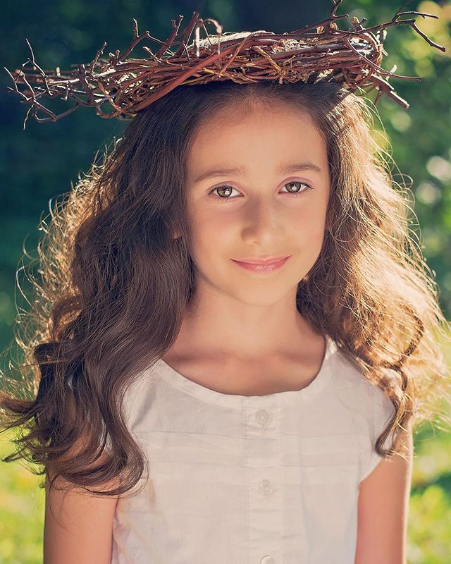 Golden child #childphotography #girl #goldenhour #deenarothphotography #fineartphotography #mtl #montreal #mtlphotographer #portrait #50mm #nikon #photography #storytelling #pursuitofportraits #portraitphotographer #theportraitpr0ject #Xelfies #discoverportrait #portraitstream #makeportrait #portraitmood #artofportrait  #rsa_portraits #at_diff #rsa_main #royalsnappingartists #infamous_family #photooftheday #naturallight