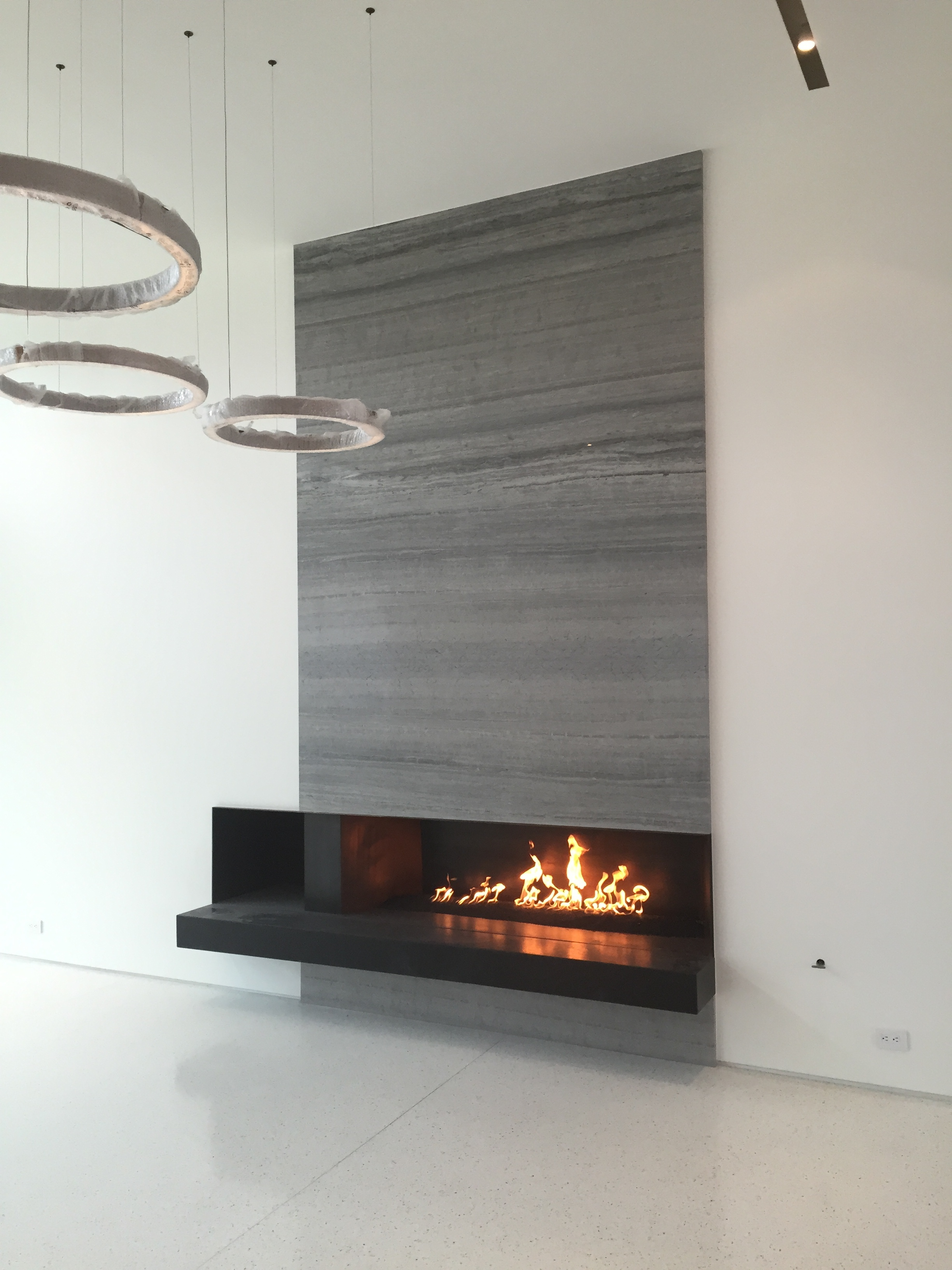 PHOTO OF LIVING ROOM FIREPLACE