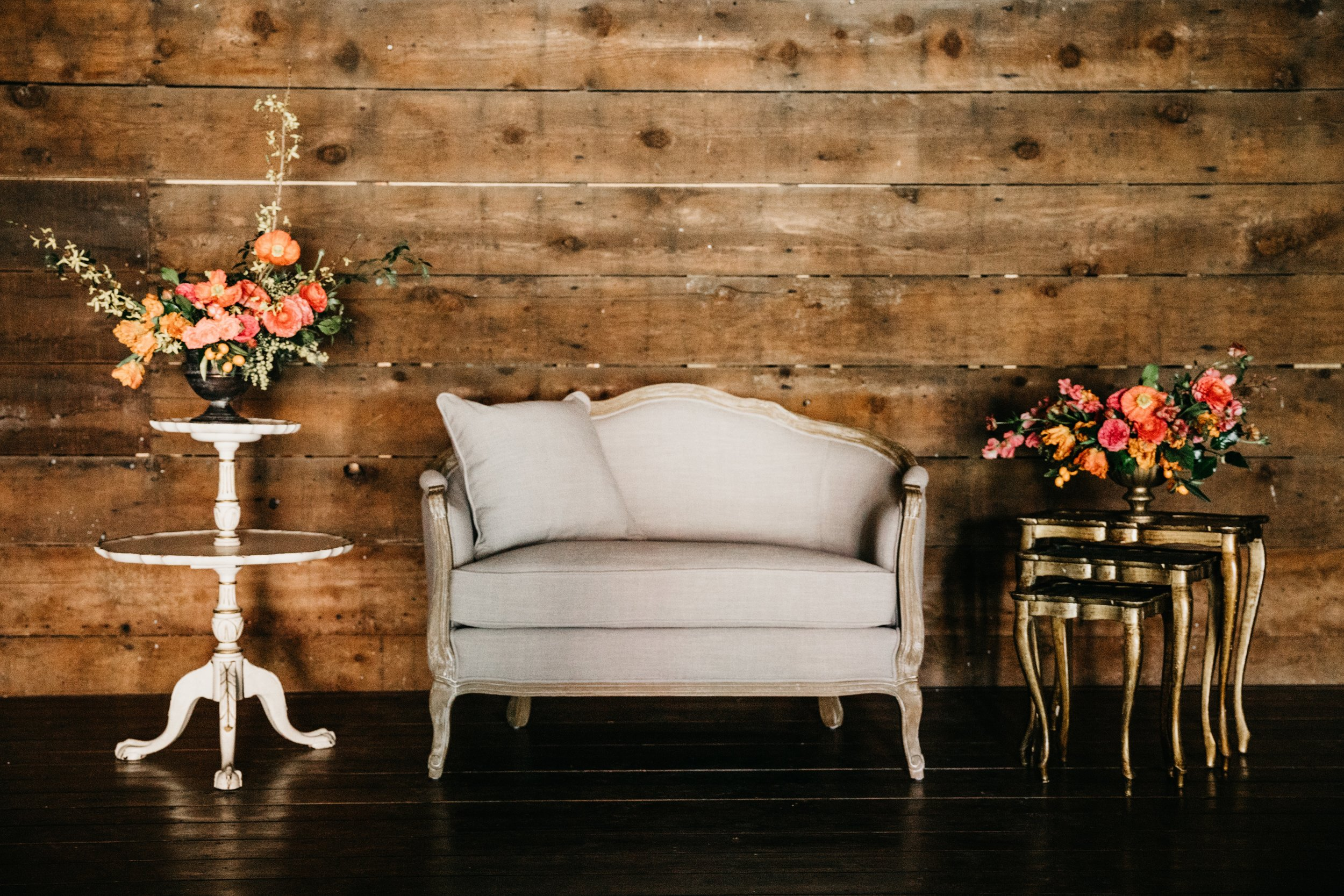 Clementine love seat $150 {qty 1}