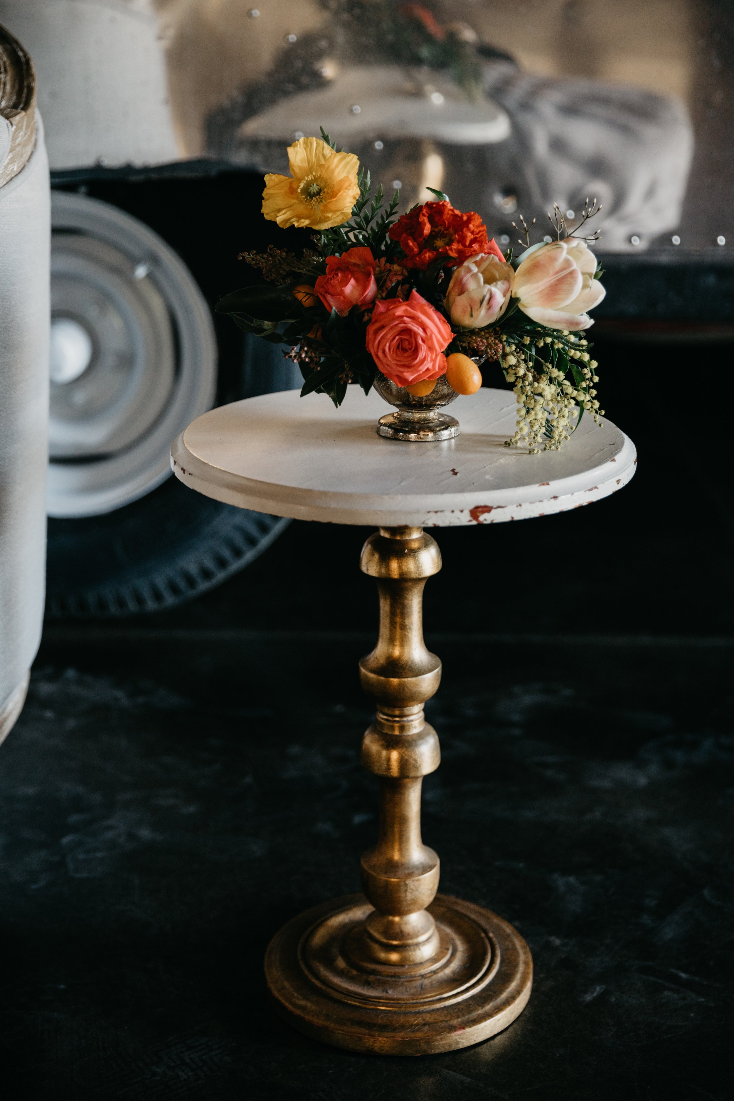 mila round side table $35 {qty 1}