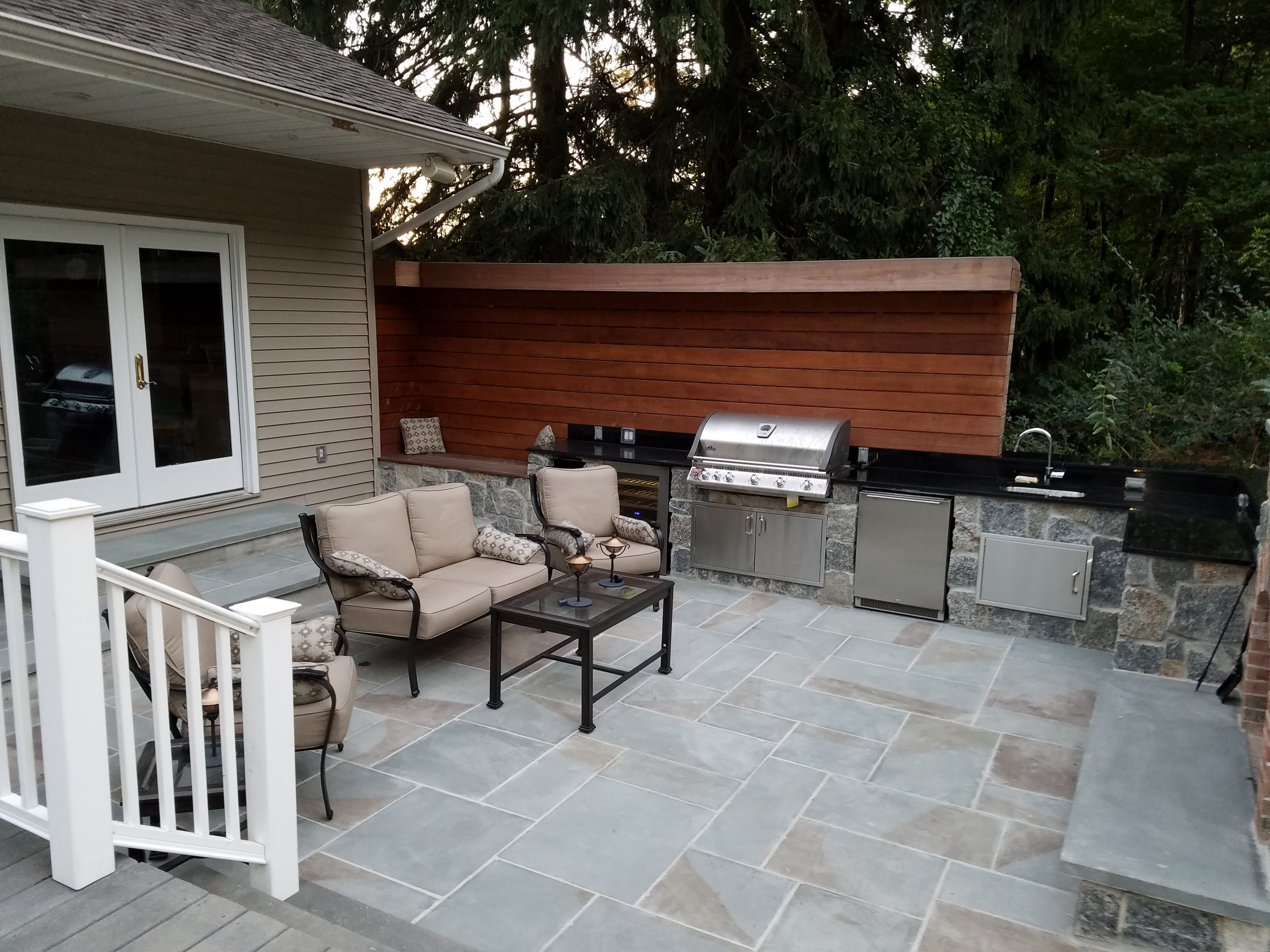 outdoor patio    type:  exterior   year:  2016   location:  new jersey