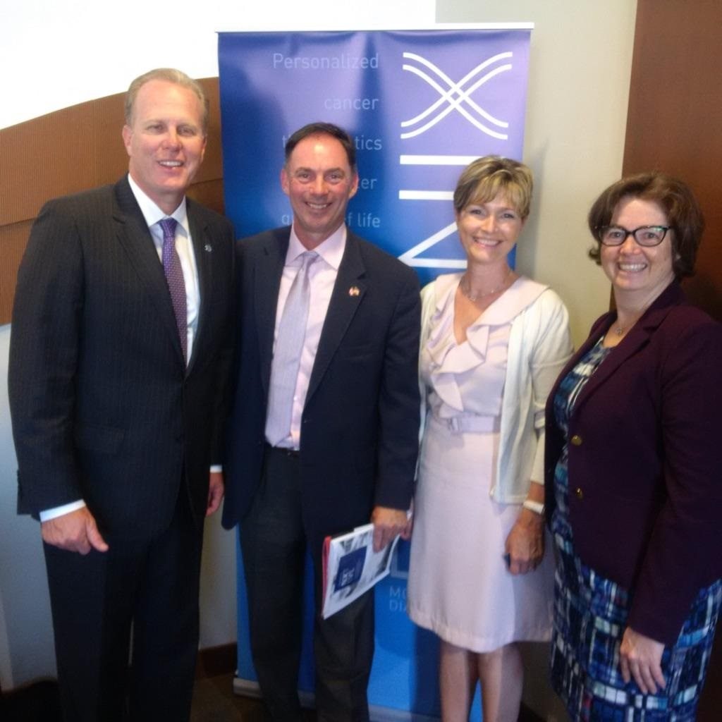 L-R: Mayor Kevin Faulconer, Frank Stonebanks (Venture Partner, Lumira Capital), Dr. SandRa Dunn (CEO, Phoenix) and Dr. Lesley Esford (President, LifeSciences BC)