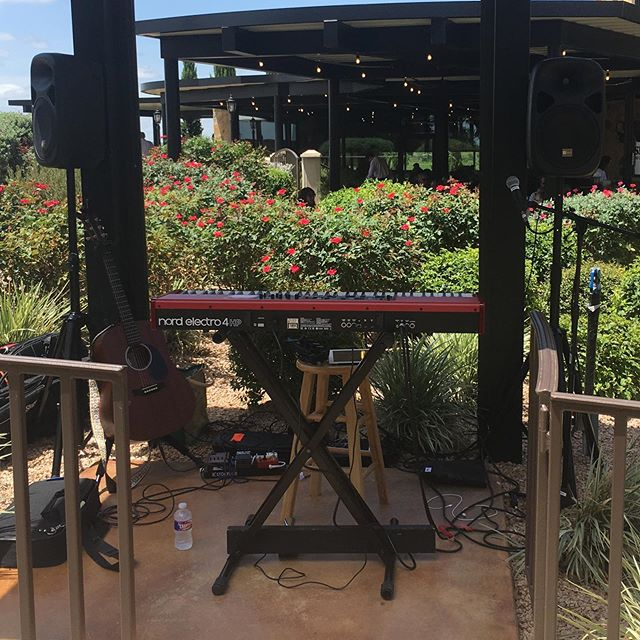 I've got the cutest, shadiest little spot to play tunes today & tomorrow @grapecreekvineyards ❤️🎶🍷