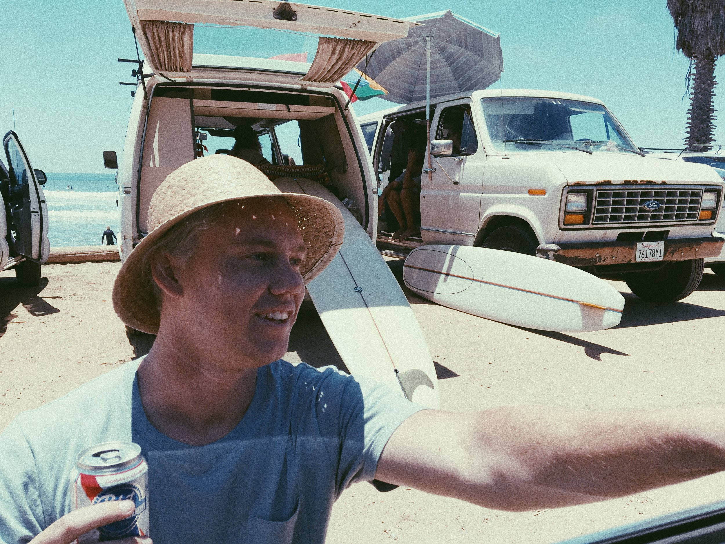 PHOTOGRAPHER AND VIDEOGRAPHER KEVIN JANSEN IN SAN ONOFRE.