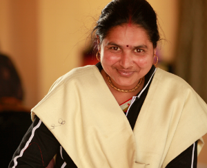 indian-woman4-sewing-center-vrindavan-india-made-with-a-purpose.png