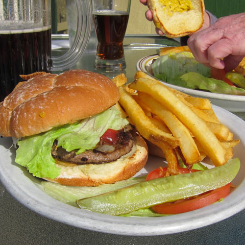 Toby's 19th Hole Restaurant is at Balboa Park where you can get a cheap burger and beer.