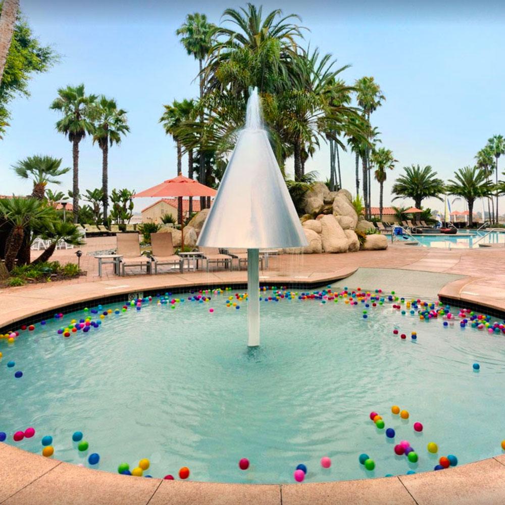 hiltonSanDiego-pool.jpg