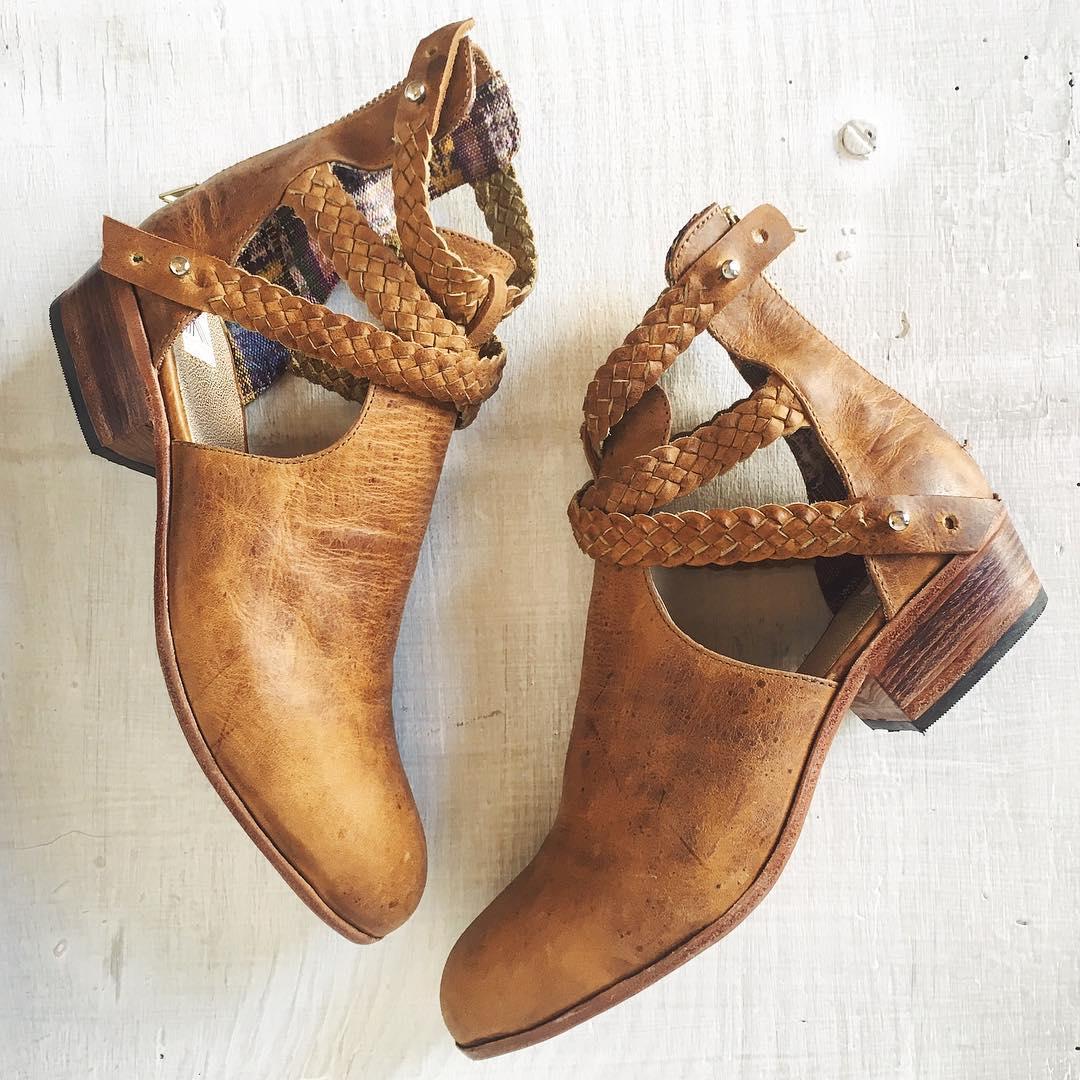 uxibal trenza boots.jpg