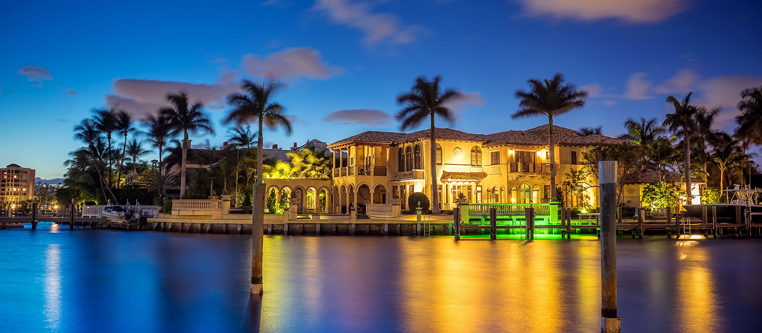 Boca-Raton-Waterfront-House-at-the-Lake-Captain-Kimo_W.jpg