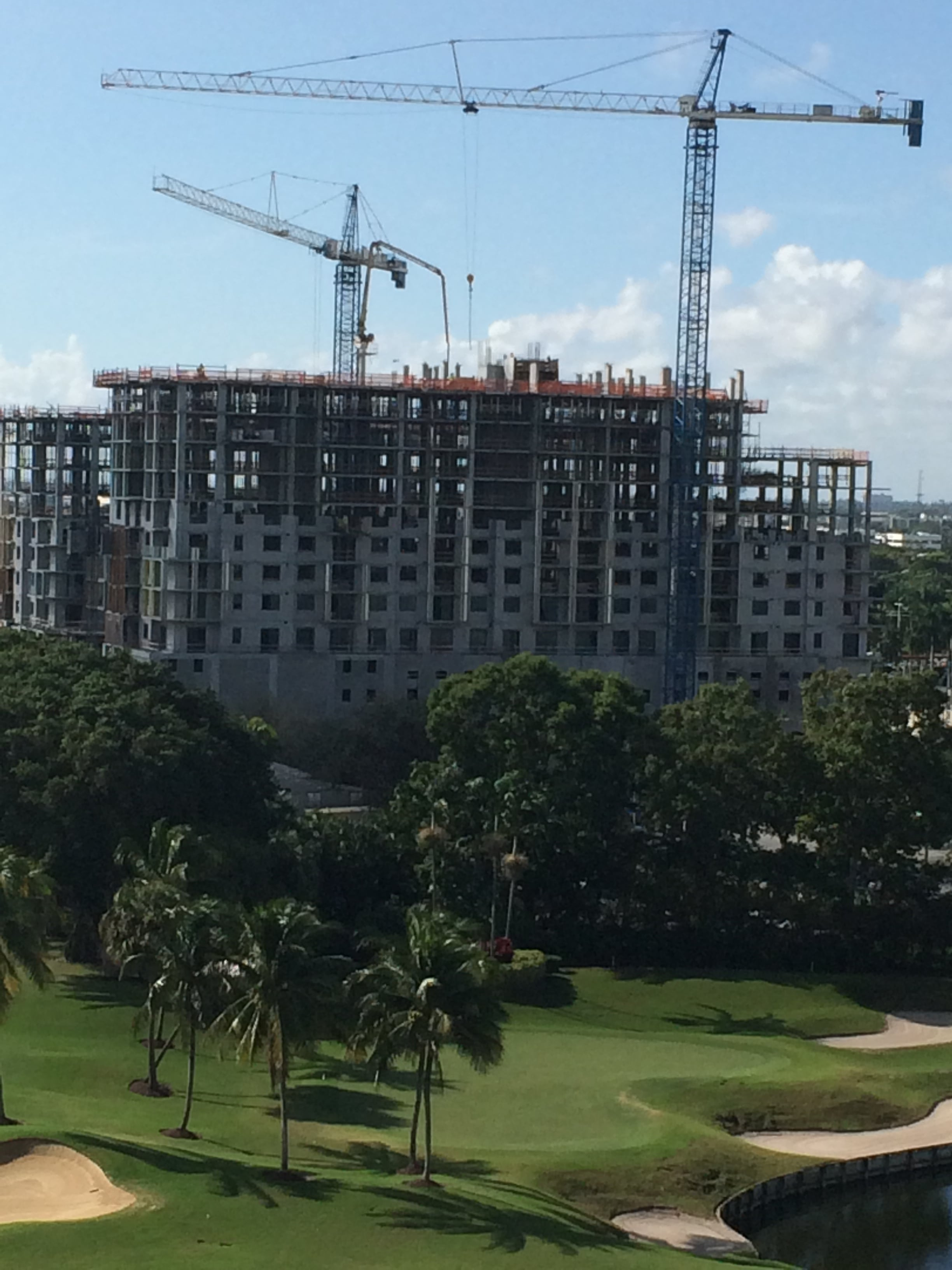 BOCA RATON, VIA MIZNER, THE FIRST OF THREE MAMMOTH NEW BUILDINGS IN DOWNTOWN BOCA.NOVEMBER 15, 2015.