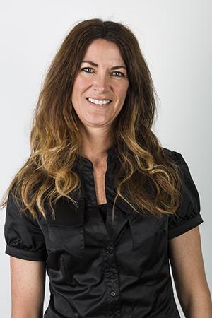 Jane Vos - Customer Support & Marketing