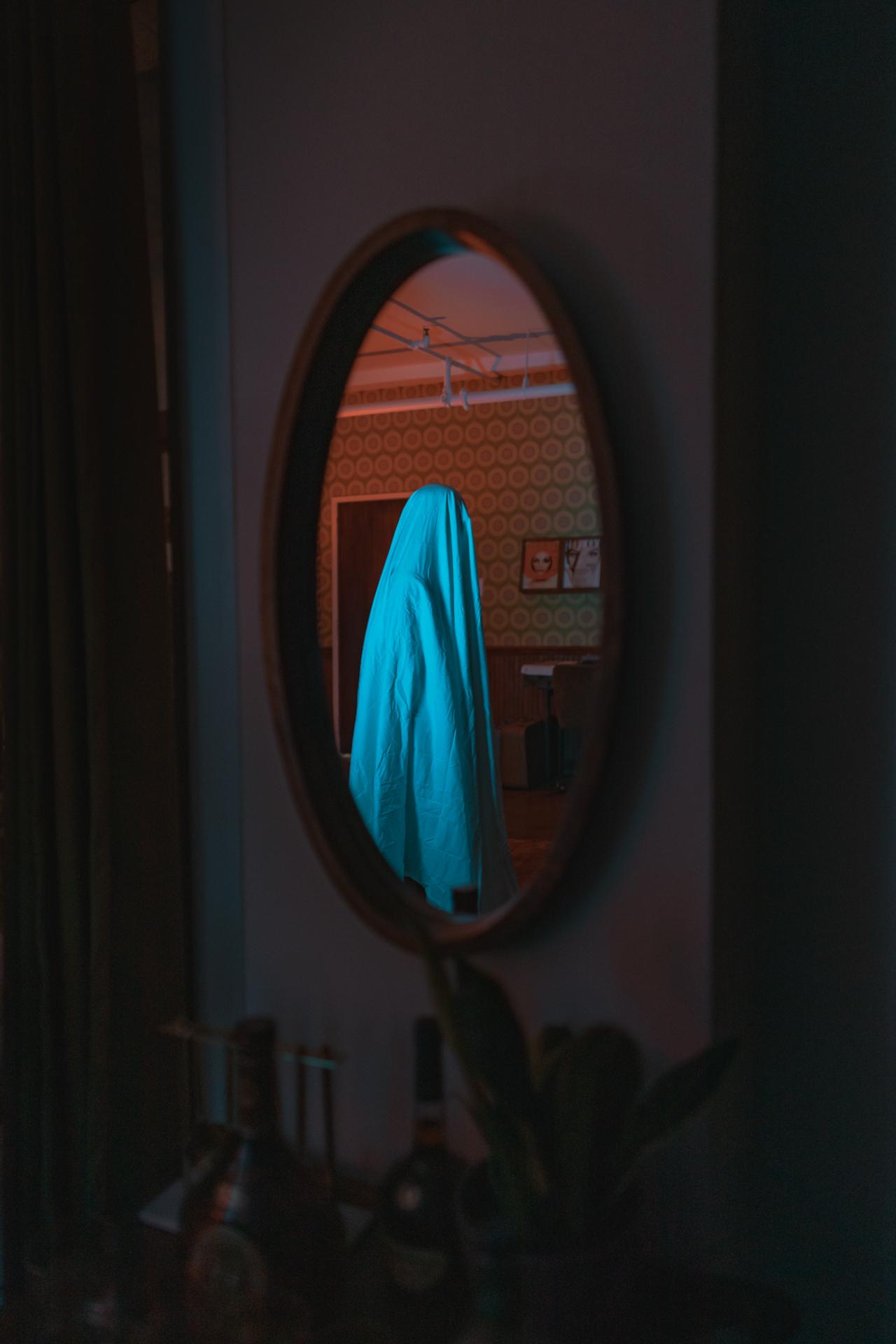 ghost noir-03.jpg