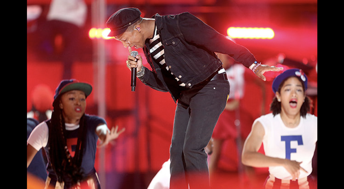 Pharrell VMAs 2015