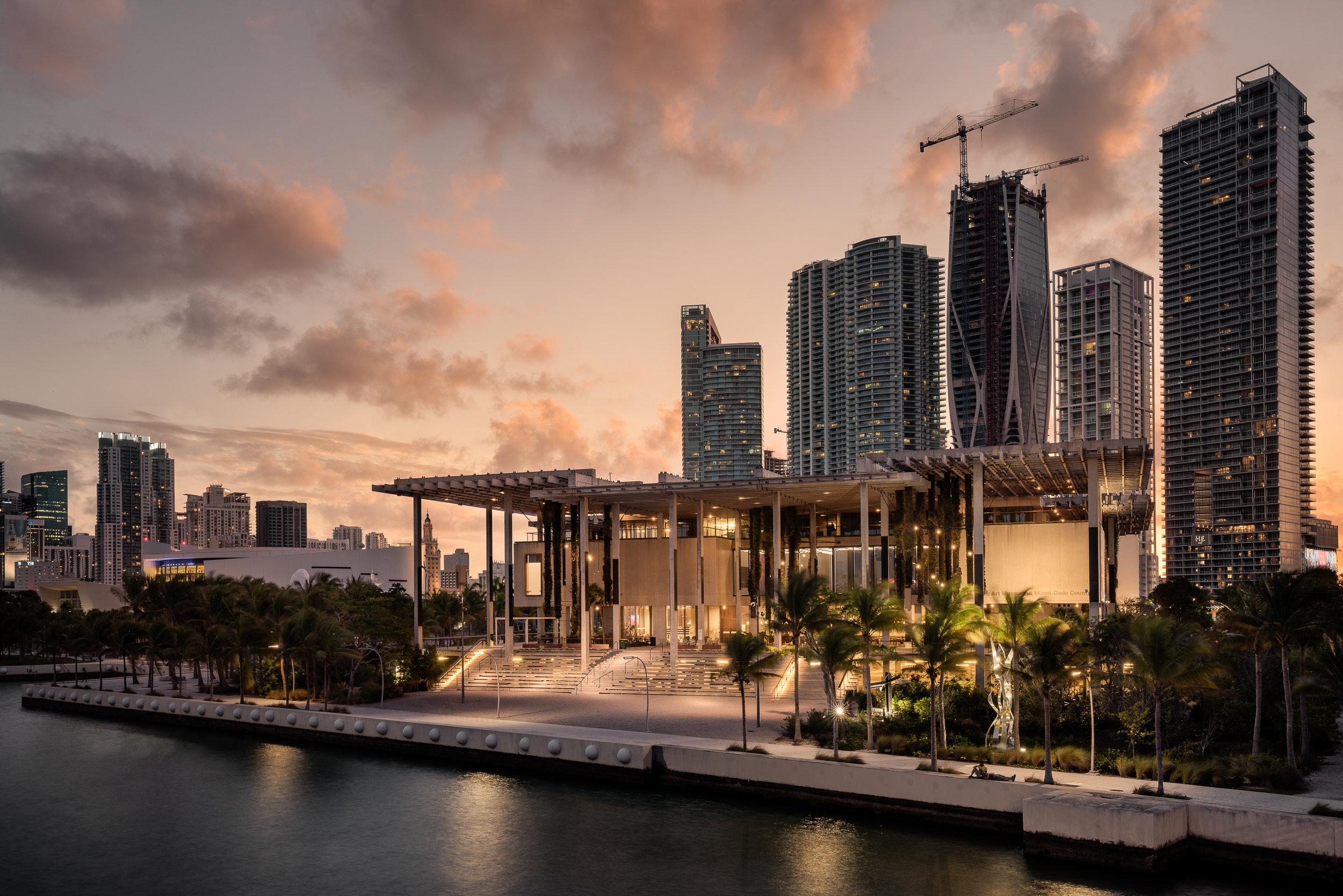 Perez Art Museum: Miami, FL