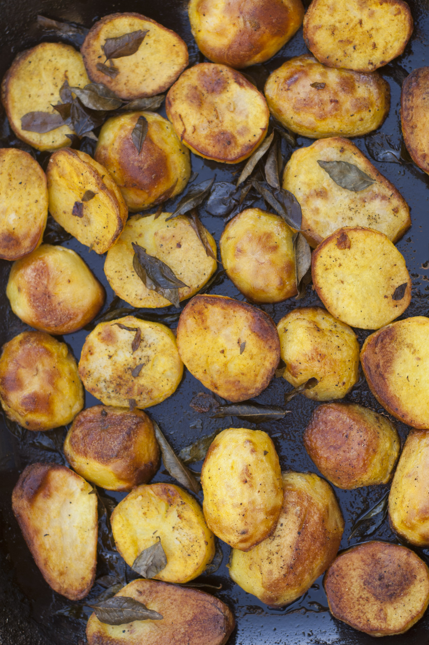 Turmeric and curry leaf potatoes