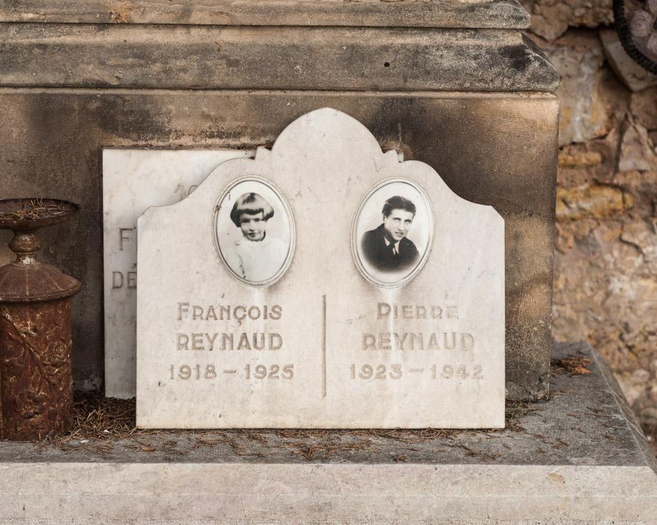 provence-graveyard-(c)-ALASTAIR-PHILIP-WIPER-30