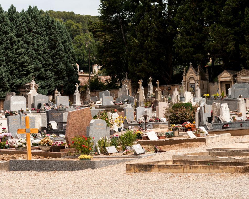 provence-graveyard-(c)-ALASTAIR-PHILIP-WIPER-62