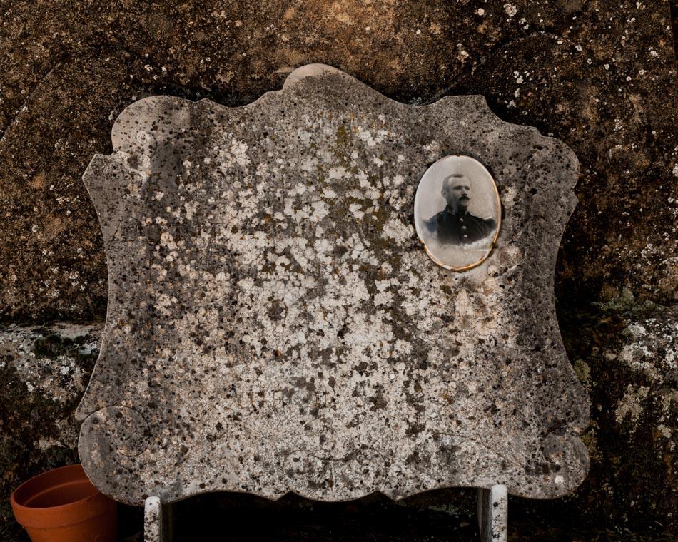 provence-graveyard-(c)-ALASTAIR-PHILIP-WIPER-82