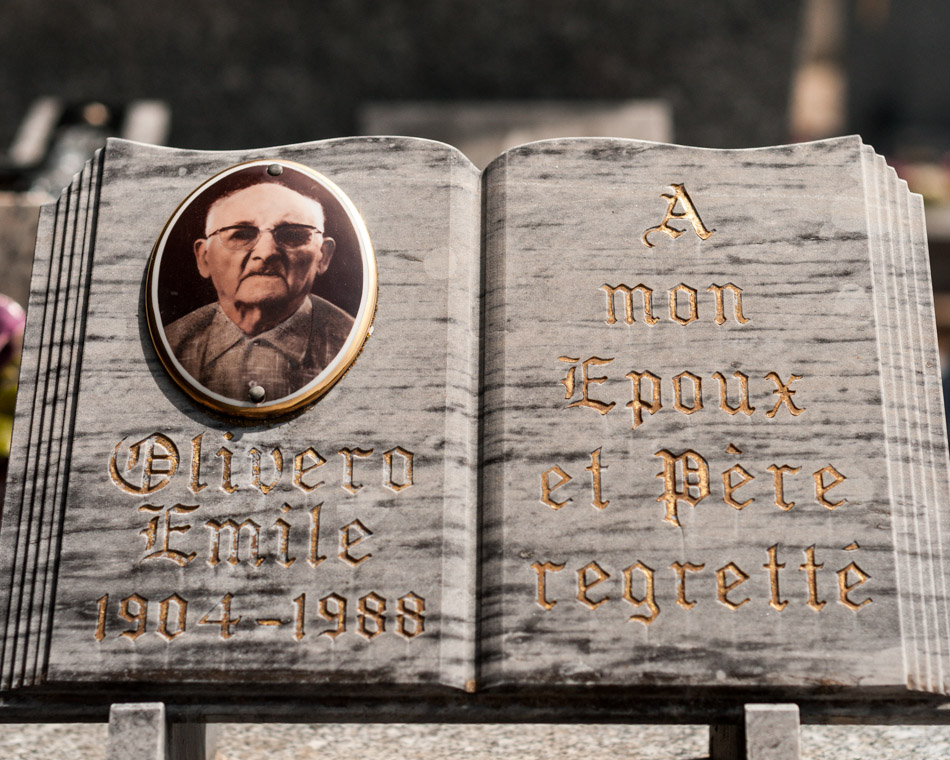provence-graveyard-(c)-ALASTAIR-PHILIP-WIPER-9