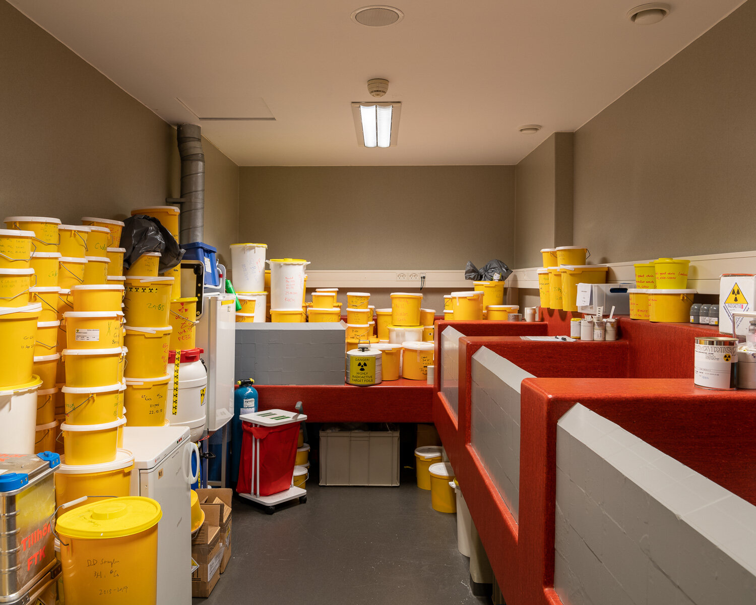 Storage of radioactive research materials at DTU Nutech