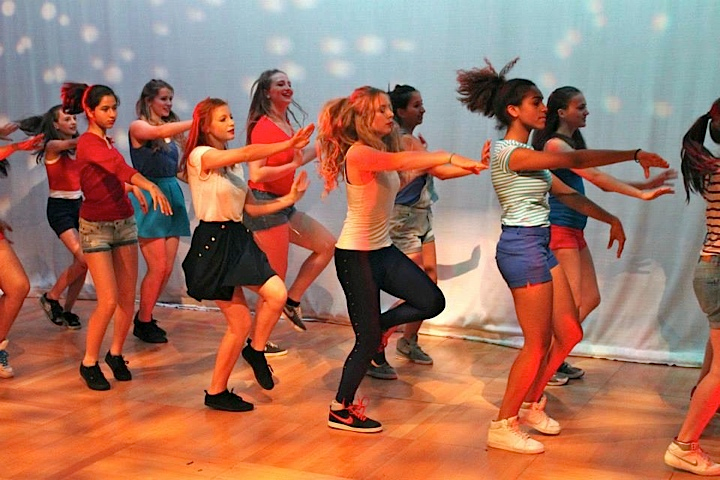 Dance_8.png