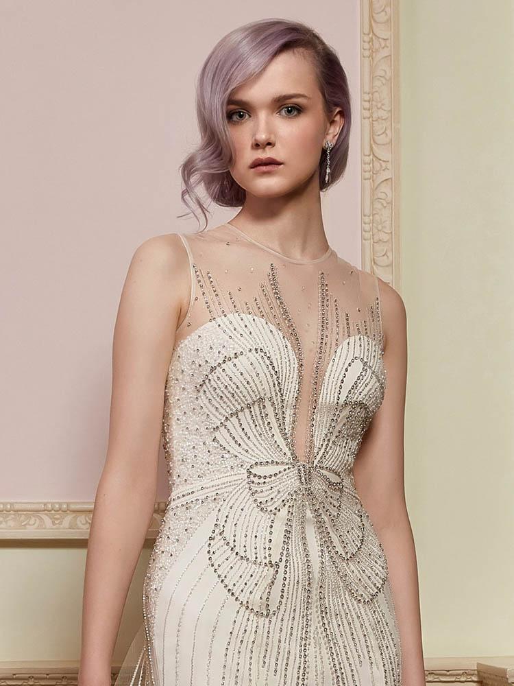 Jenny Packham - Die englische Designern setzt in ihrer Brautkleidkollektion die perfekte Kombination von Glamour, Pailetten, Perlen und traumhafte Seiden ein.