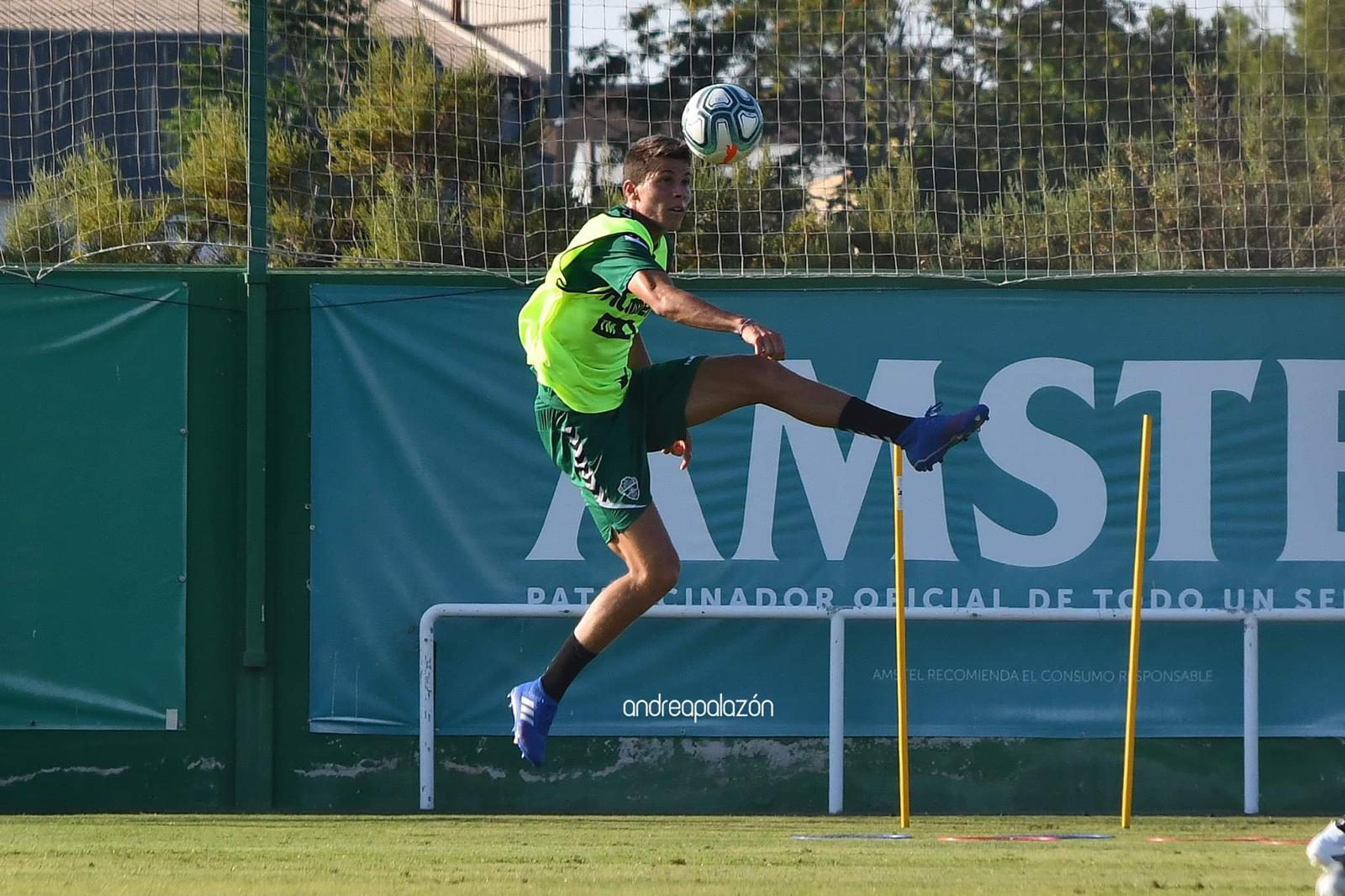 Felipe training with Elche's first team, signing up to our Spanish football academy could earn you a pro football trial