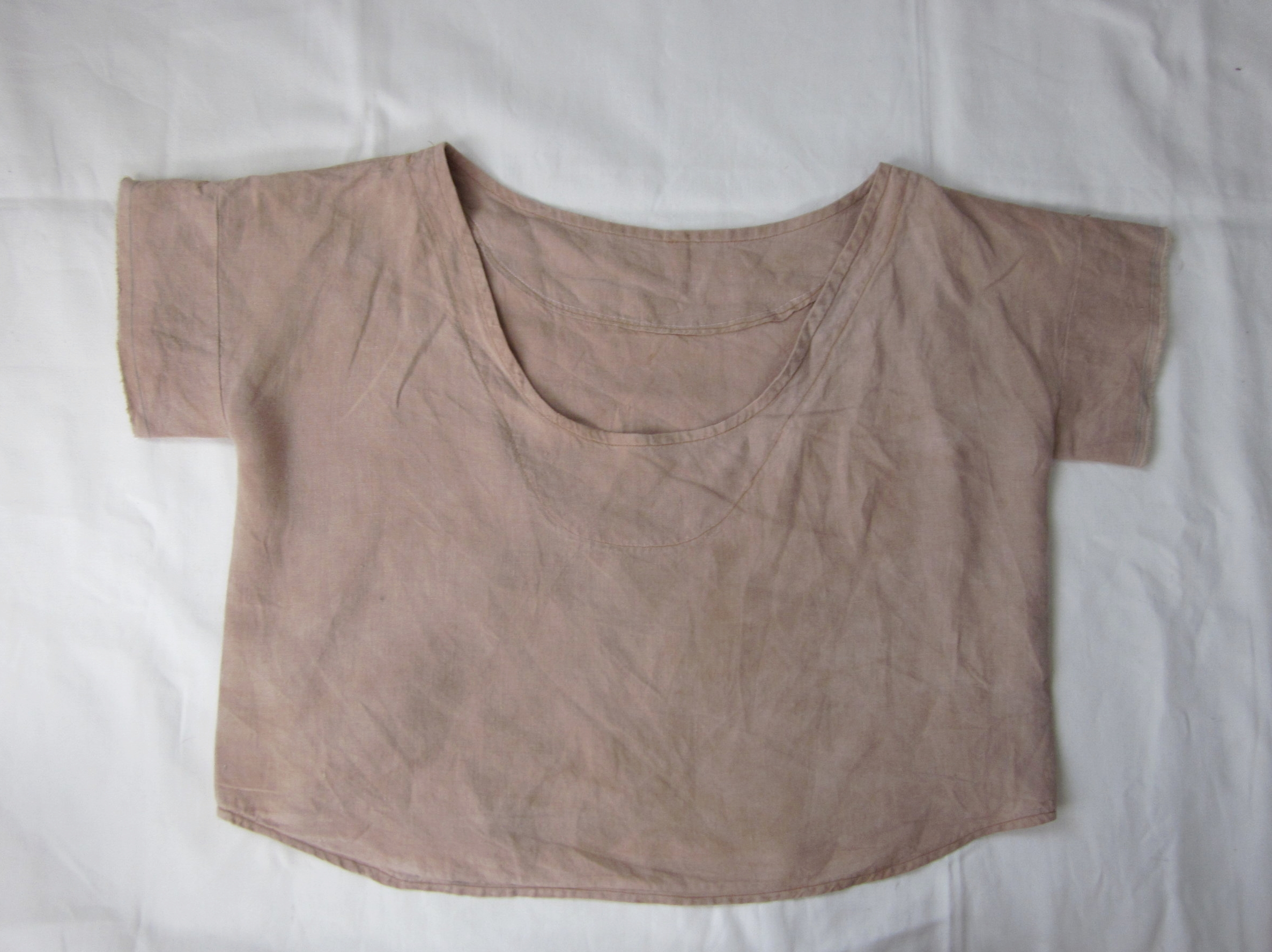 Back, Linen Crop Top Dyed with Avocado Skins