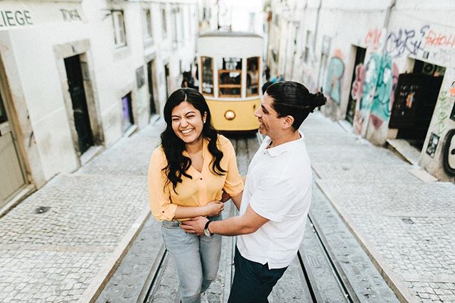 Happy hearts 💛 . #cheias_de_graca #weddinginportugal #destinationwedding #portugalwedding #weddingphotography #fotografiadecasamento #weddinginspiration #vscowedding #bride #groom #weddingday  #p3top #postthepeople #oh_mag #lifeispeople #likesmagazine #lovelysquares #nothingisordinary #thislifetoday #faded_world  #makeportraits #untoldvisuals #igmasters #ig_portugal #igersportugal  #lookslikefilm #expofilm  #exploretocreate #junebugweddings