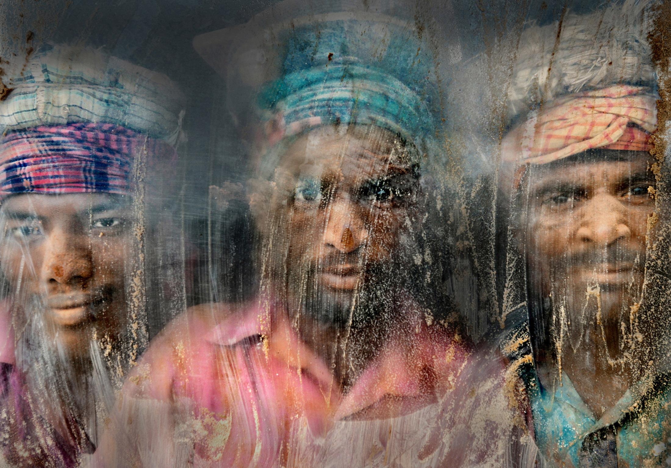 Faisal Azim,  Gravel Workmen , Chittagong, Bangladesh, 2015