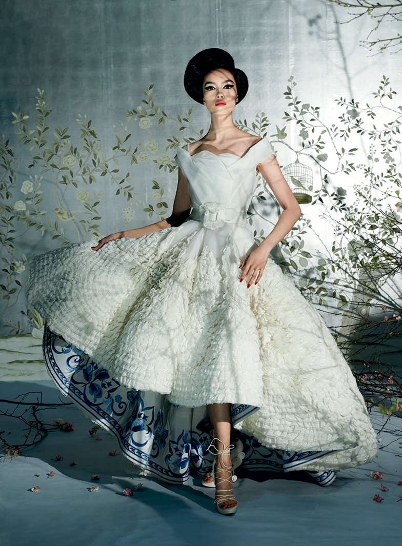 met-gala-costume-exhibit-china-through-the-looking-glass-1.jpg