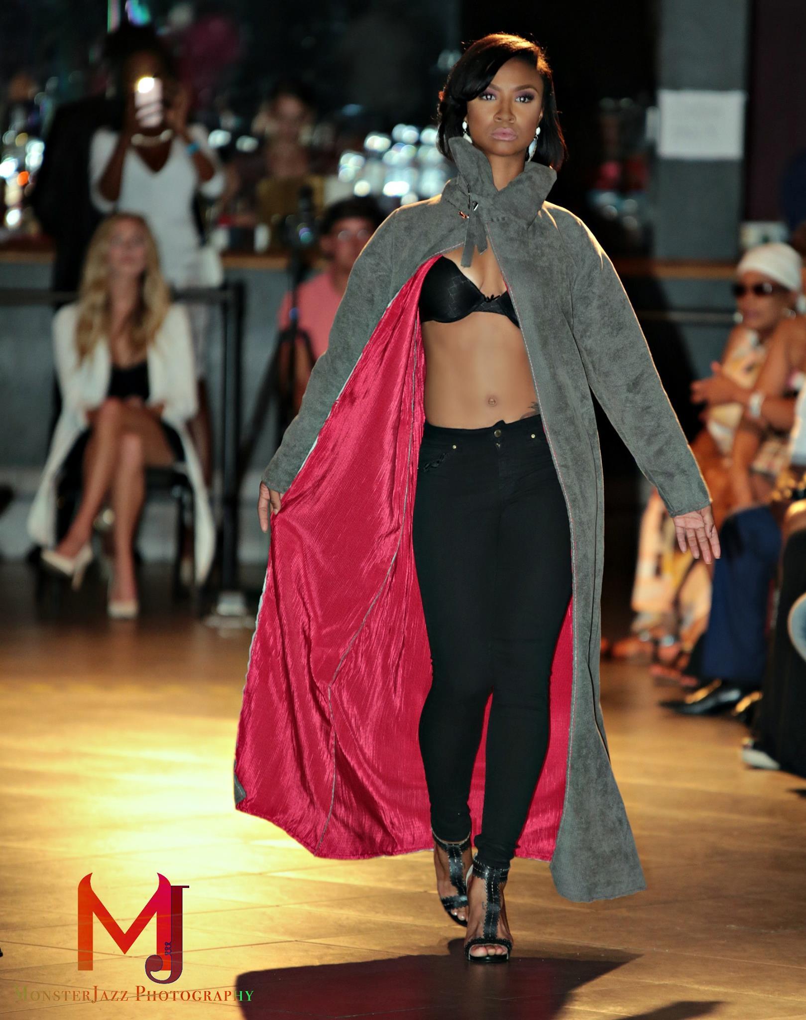 Janaby Fashion Show: Model Jaideco