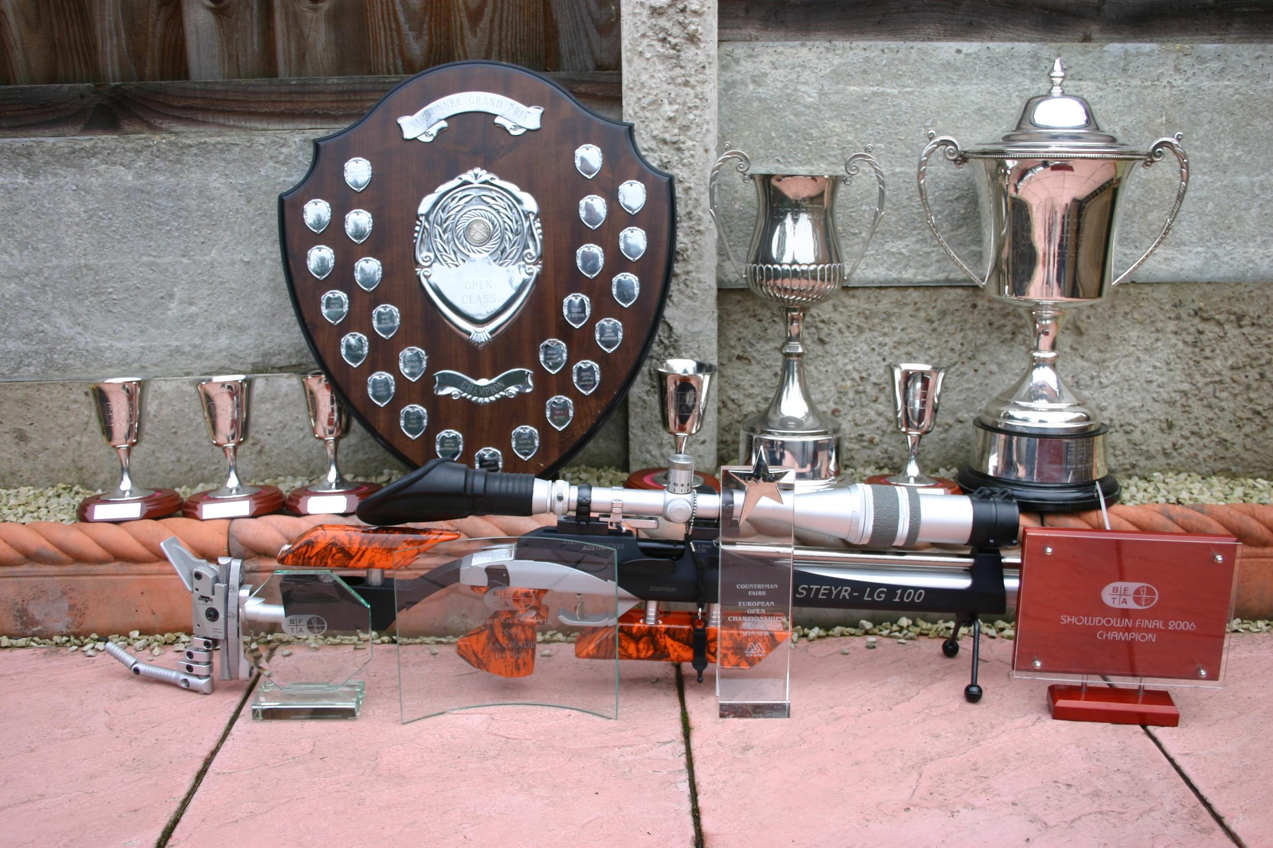 wins in 2006 Hydro LG100.JPG