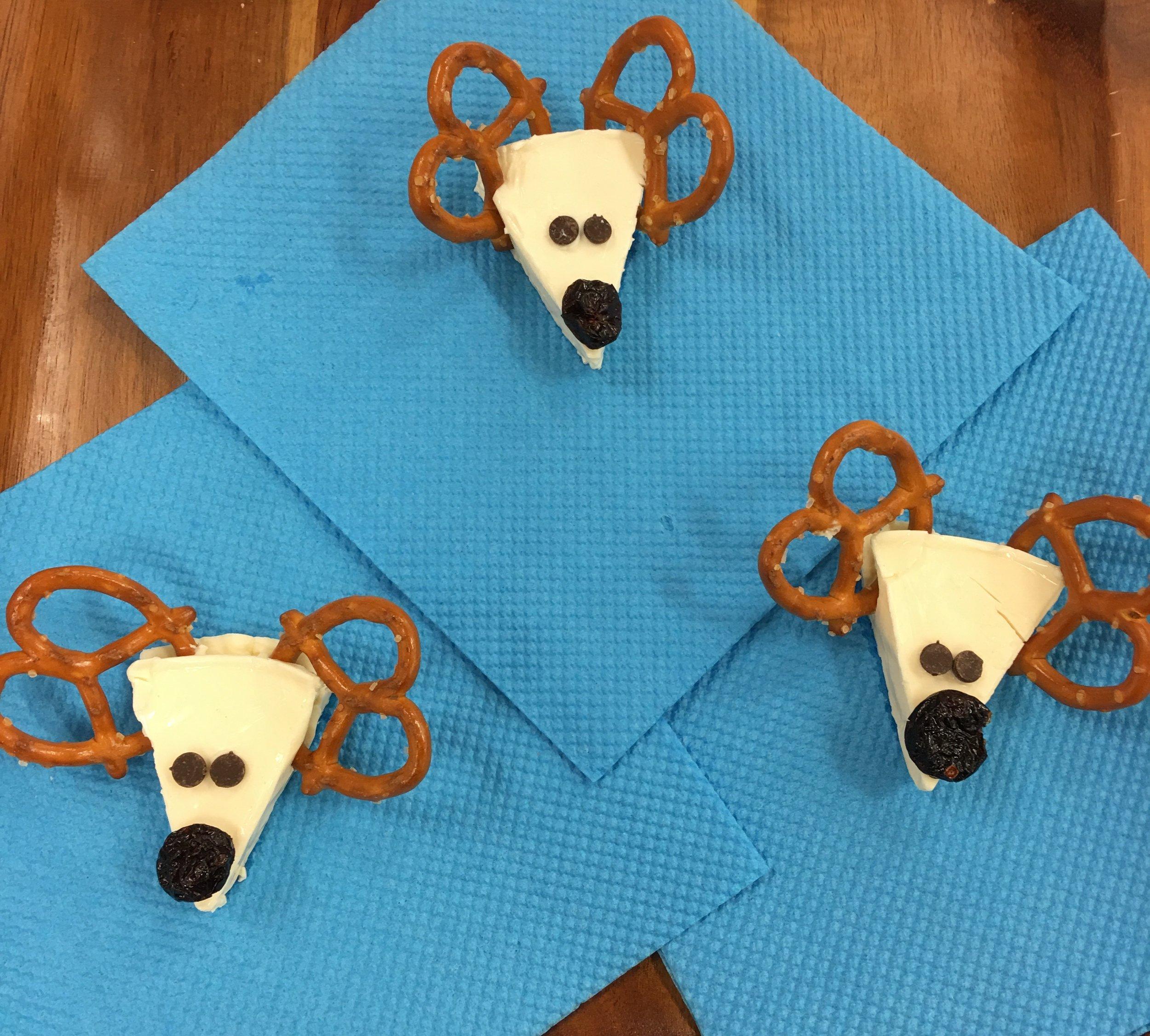 Cheesy Reindeer 4.jpeg