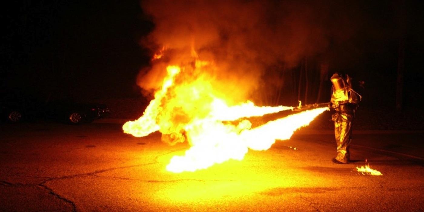 5. eFRI Christian Ristow_flamethrower backpack.jpg