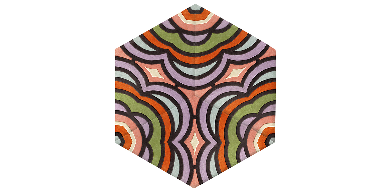 Hexagon   Style: Scallop  Quantity: 3 Diamonds  Measures: 5' w x 5'8.64'' h  Cost: $1,500 USD