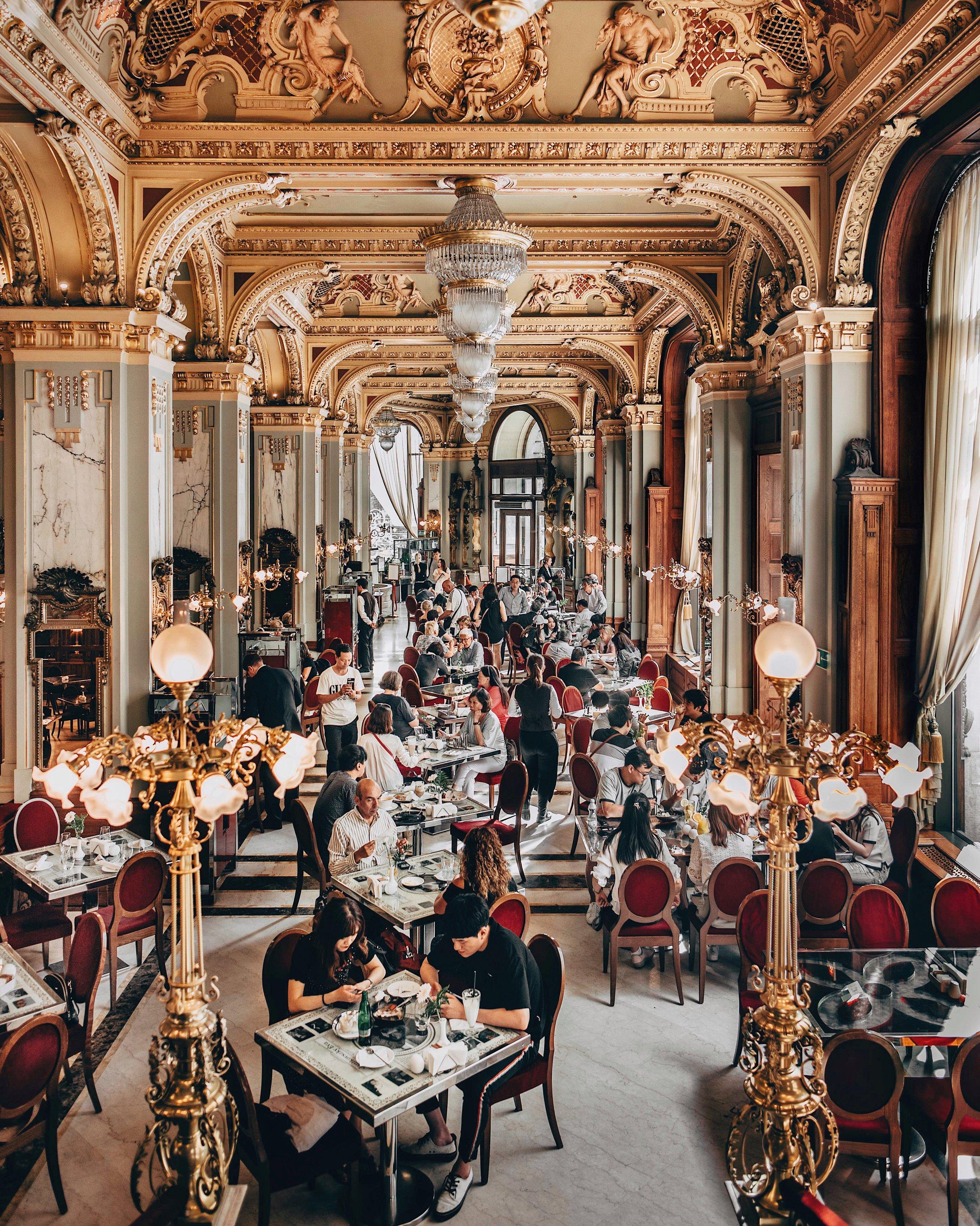 New York Grand Cafe Bolosco Hotel