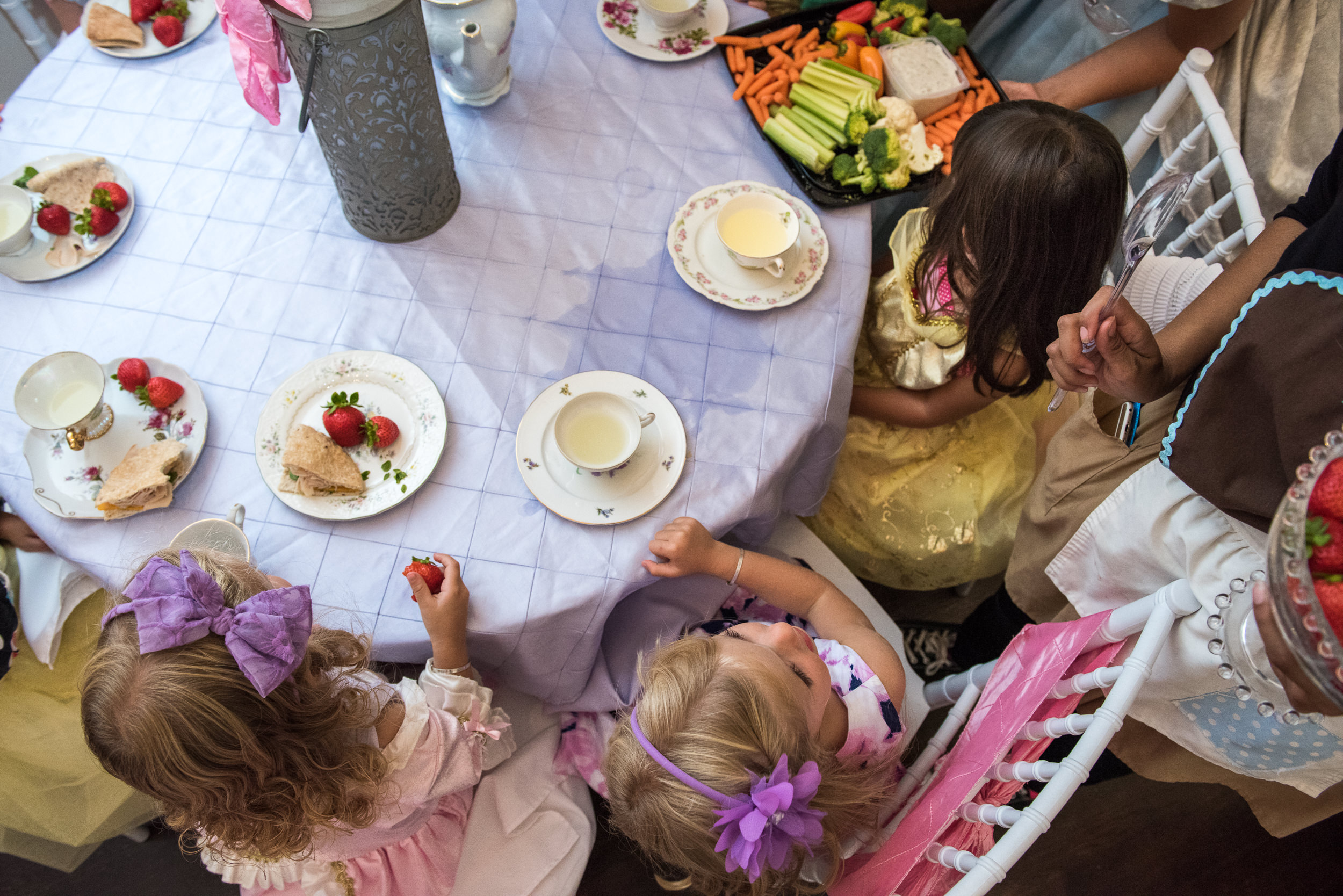Molly Rees Photo - Documentary Family Photography in Denver, Colorado - birthday party girls princess tea party at Wands and Wishes Occasions by M. Menschel