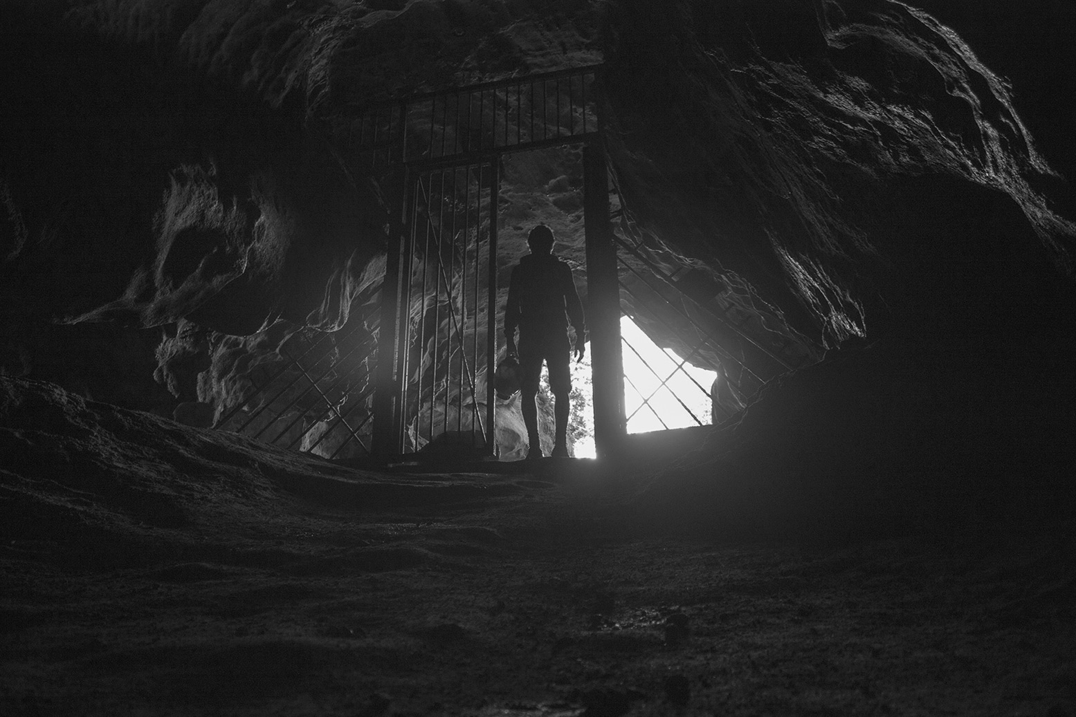 dans-la-caverne3.jpg