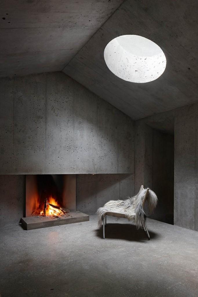 Concrete-Cabin-Circular-Skylight-683x1024.jpg