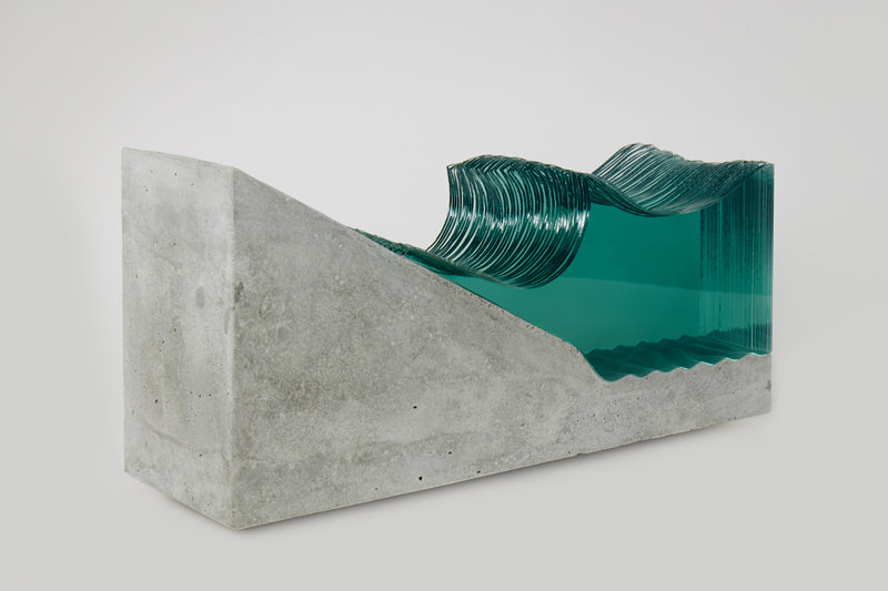 Shorebreak-Glass-Wave-Sculpture-by-Ben-Young.jpg