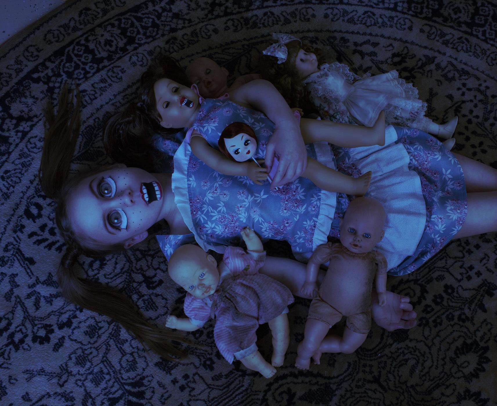 photographs-of-child-zombies-601-body-image-1433189232.jpg