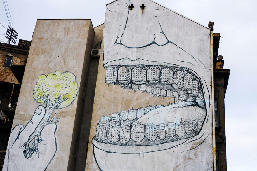 XX-Powerful-Street-Art-Pieces-That-Tell-The-Uncomfortable-Thruth6__880.jpg