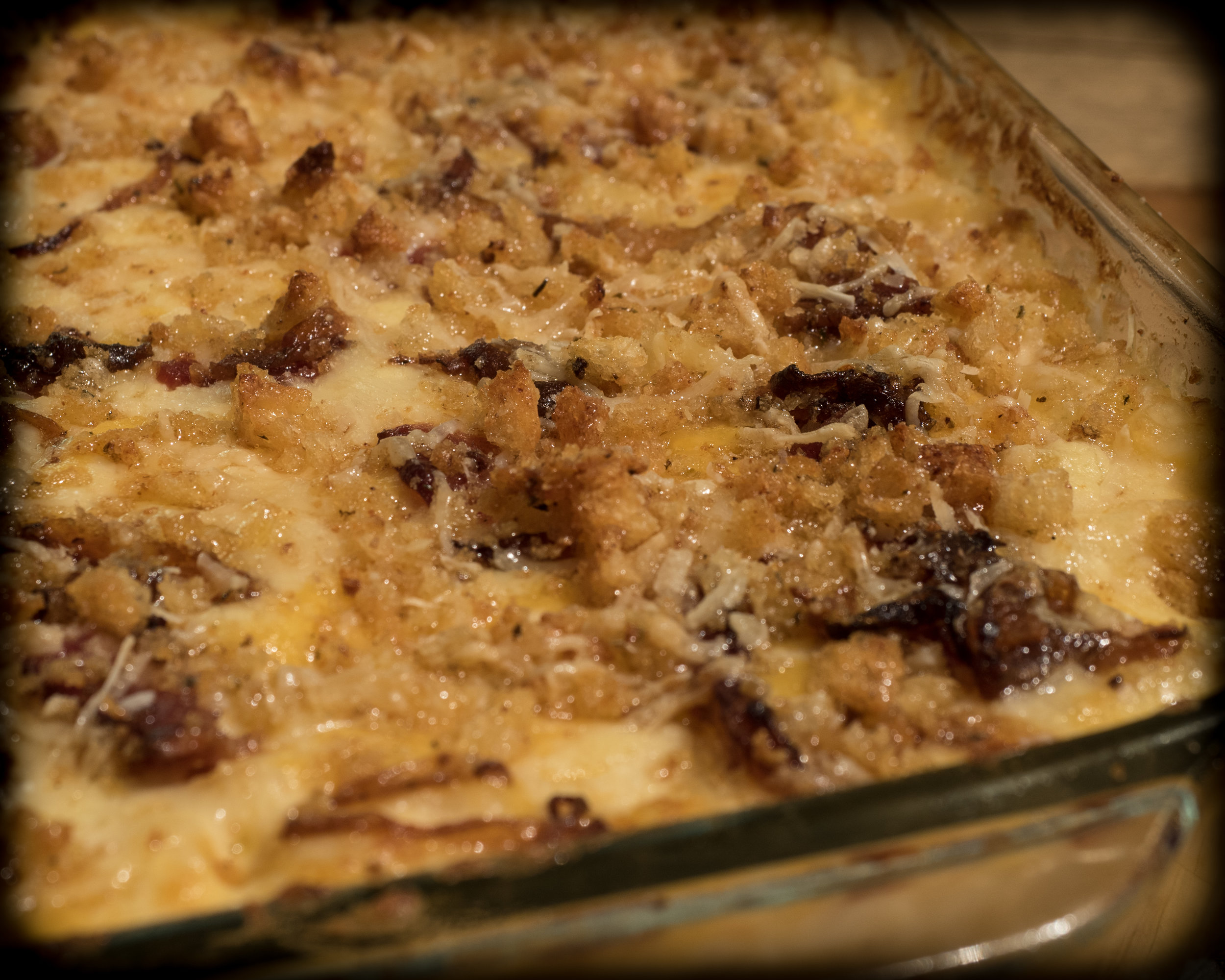 Mac & Cheese with bacon and caramelized onions