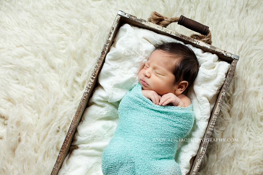 San-Diego-Newborn-Lifestyle-Photography (14)