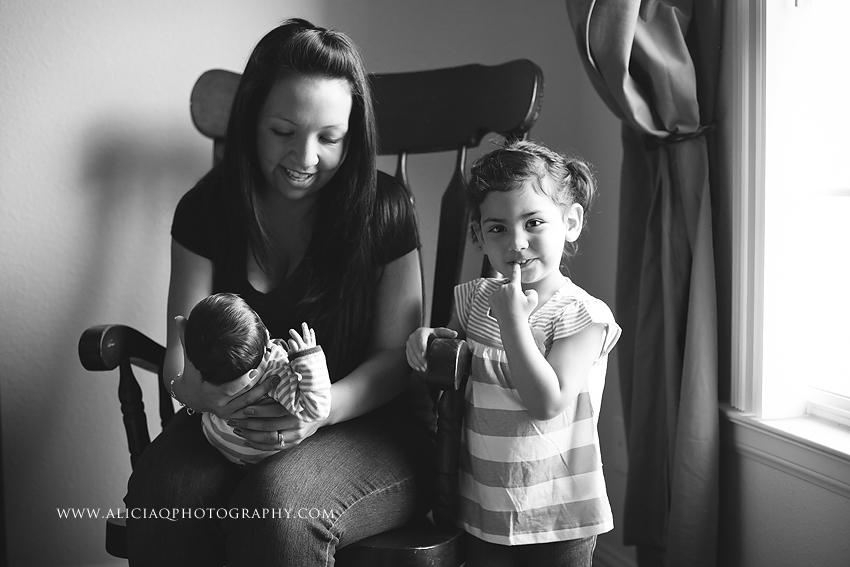San-Diego-Newborn-Lifestyle-Photography (5)
